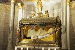 1_Ars-Basilique-Saint-Sixte-hrob-sv-Jána-Mária-Vianney-14_06_2019