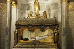 2_Ars-Basilique-Saint-Sixte-hrob-sv-Jána-Mária-Vianney-14_06_2019