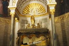 Ars-Basilique-Saint-Sixte-hrob-sv-Jána-Mária-Vianney-14_06_2019